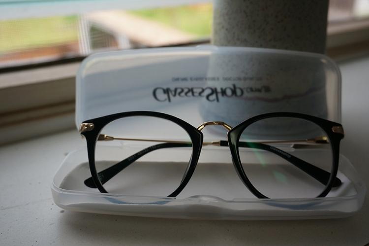 GlassesShopGlasses01